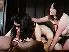 Retro girls are beautiful in this erotic threesome
