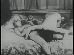Vintage Porn from lesbian to creampie
