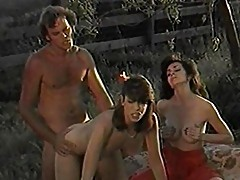 Hot outdoor threesome barebacking